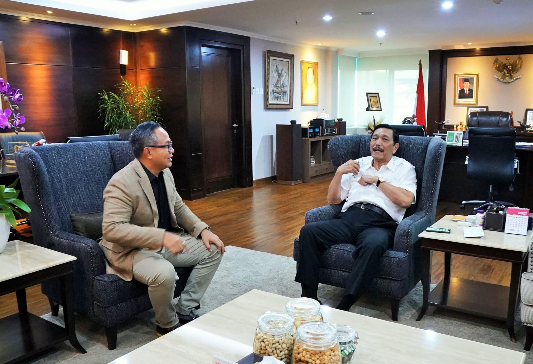 Menko Luhut meeting dengan Direktur Utama Bank Mandiri