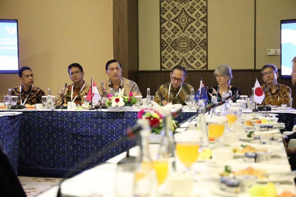 Informational Breakfast Meeting on Combating Marine Plastic Debris
