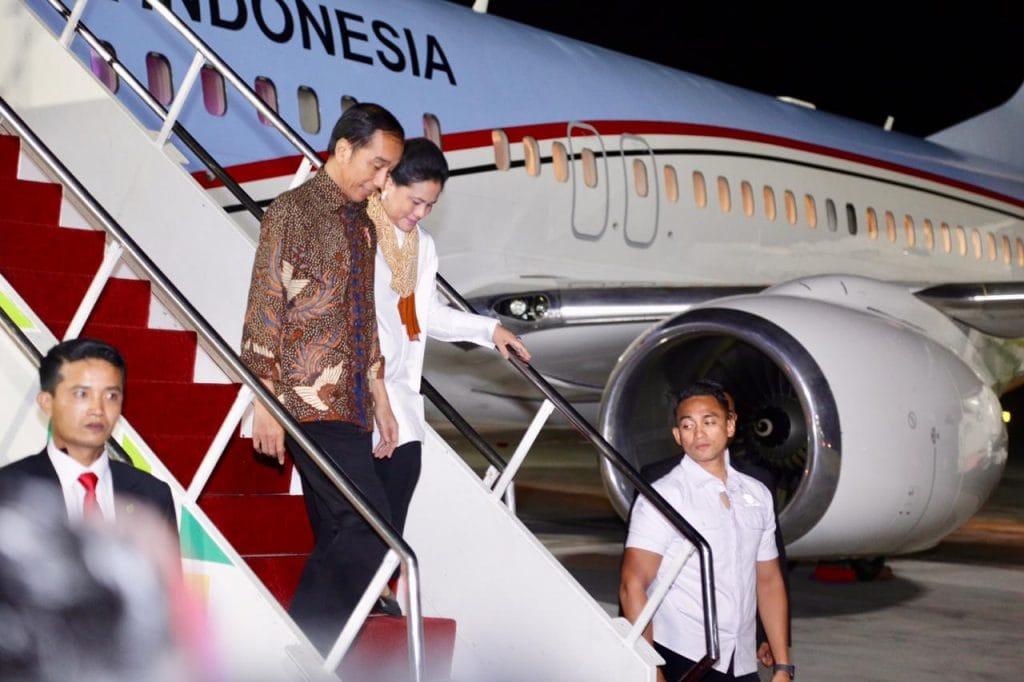 Menko Luhut Menjemput Presiden Jokowi di Bandara Ngurah Rai, Bali