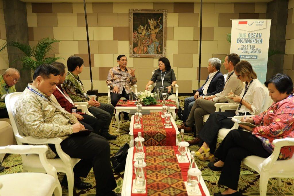 Menko Luhut meeting dengan Ibu Mari Elka Pangestu dan Bapak Enko Tan