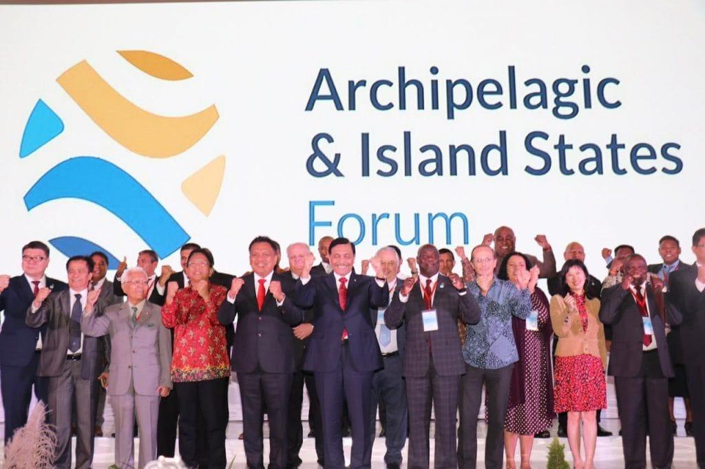Mewakili Presiden RI, Menko Luhut: Deklarasi Manado aksi nyata negara-negara kepulauan hadapi ancaman perubahan iklim