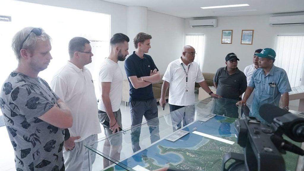 Kemenko Maritim Dampingi Tim Jurnalis Polandia Soroti Isu Lingkungan dan Pemulihan Sektor Pariwisata Lombok
