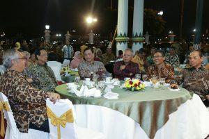 Menko Luhut Hadiri Malam Orasi Penerima Anugerah Hamengku Buwono IX