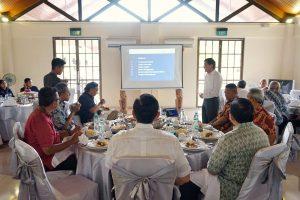 Menko Luhut Meneriman Paparan dari Pihak PT Bintan Aviation Investment