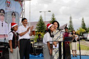 Menko Luhut Menghadiri acara Natal di Humbang Hasundutan