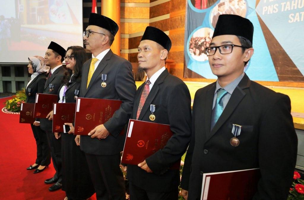 Pengangkatan CPNS 2019, PNS 2019, dan Penyematan Satyalancana Karya Satya