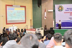 Menko Luhut Berikan Kuliah Umum di USU Medan