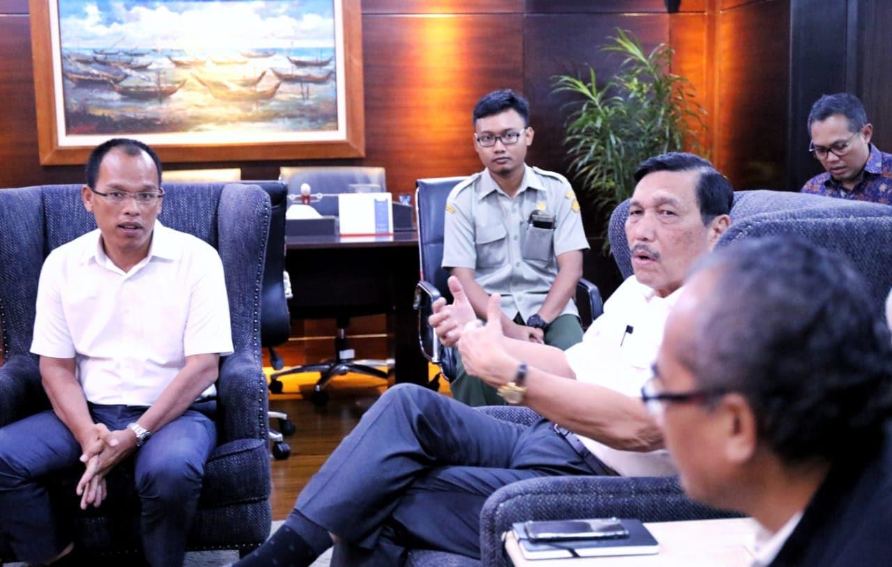 Menko Luhut Meeting Bersama Pak Dosmar dan Pak Subarja Membahas Lahan Humbahas Untuk Dipinjam Pakai Oleh IT DEL