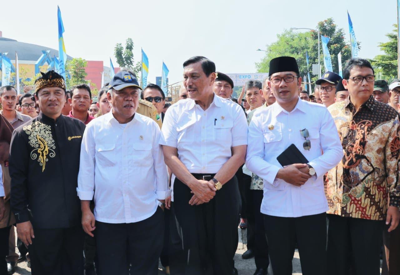 Menko Luhut Menghadiri Citarum Harum Expo di Bale Rame, Soreang