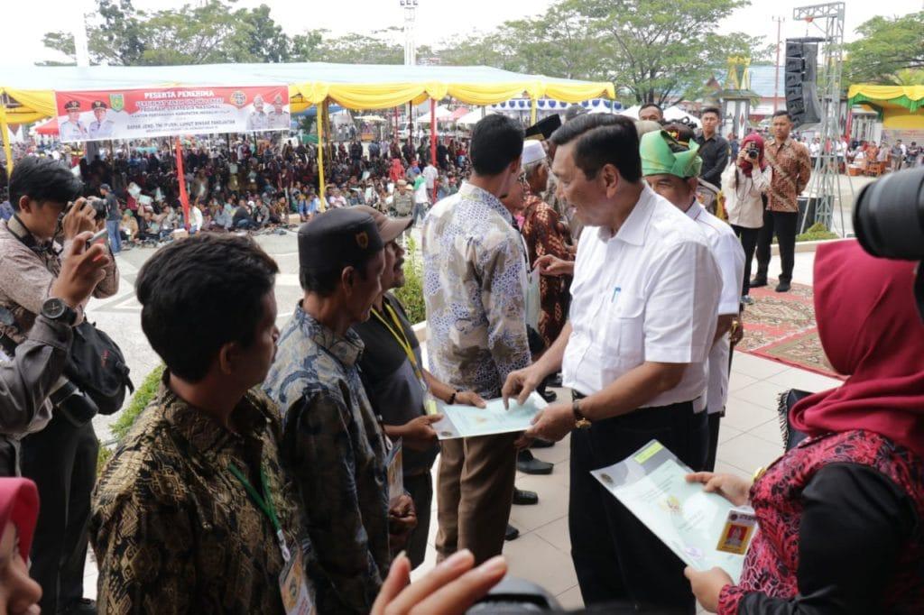 Menko Luhut Terus Dorong Potensi Kemaritiman Di Riau