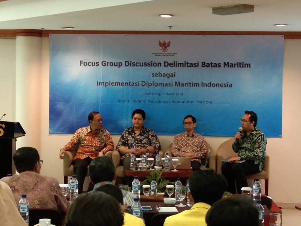 DELIMITASI BATAS MARITIM SEBAGAI IMPLEMENTASI DIPLOMASI MARITIM INDONESIA