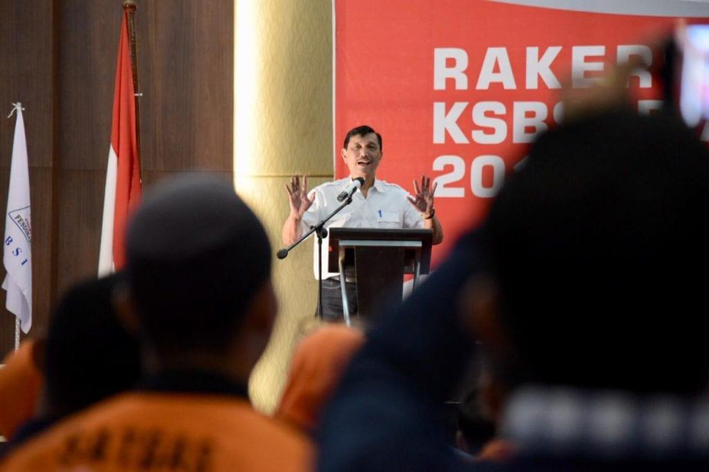 Lewat Menko Luhut, Pemerintah Jamin Nasib Buruh Indonesia