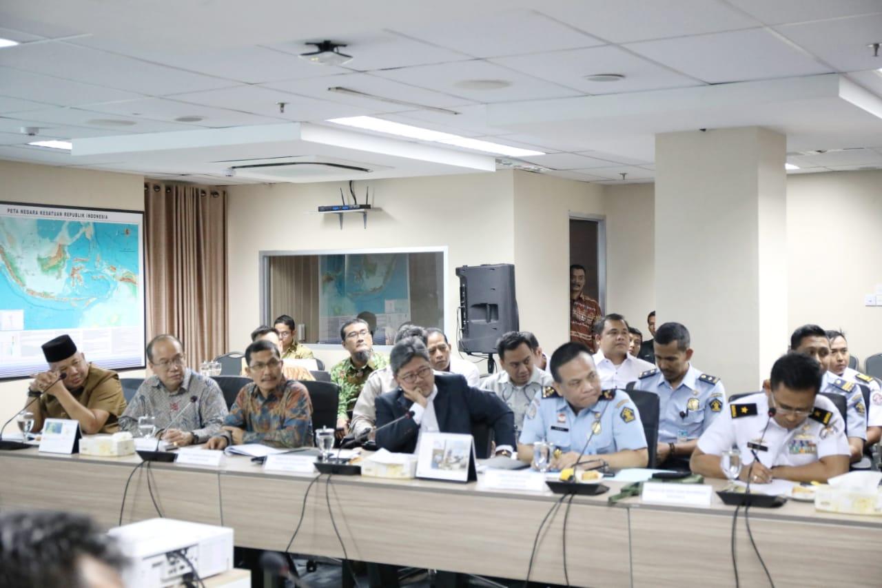 Rapat Upaya Penyelesaian Kasus Tumpahan Minyak Secara Ilegal di Kota Batam, Kab. Bintan dan Riau
