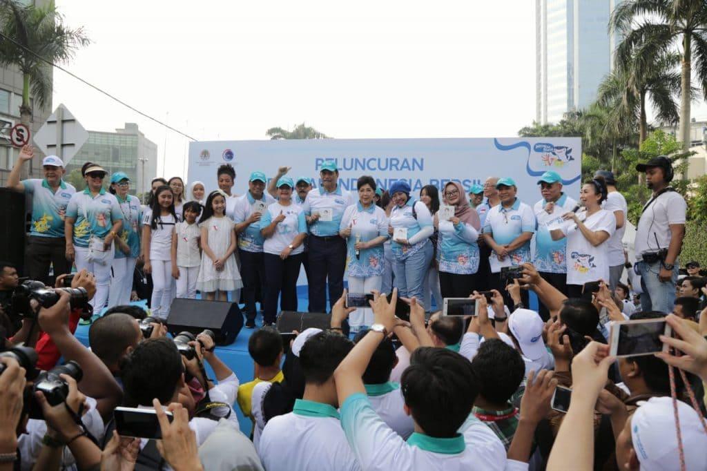 Hadiri Launching GIB, Menko Luhut: Lupakan Politik, Fokus Peduli Sampah