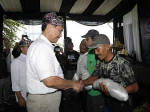 Menko Luhut Temu Wicara Dengan Tokoh Nelayan dan Masyarakat Banyuwangi