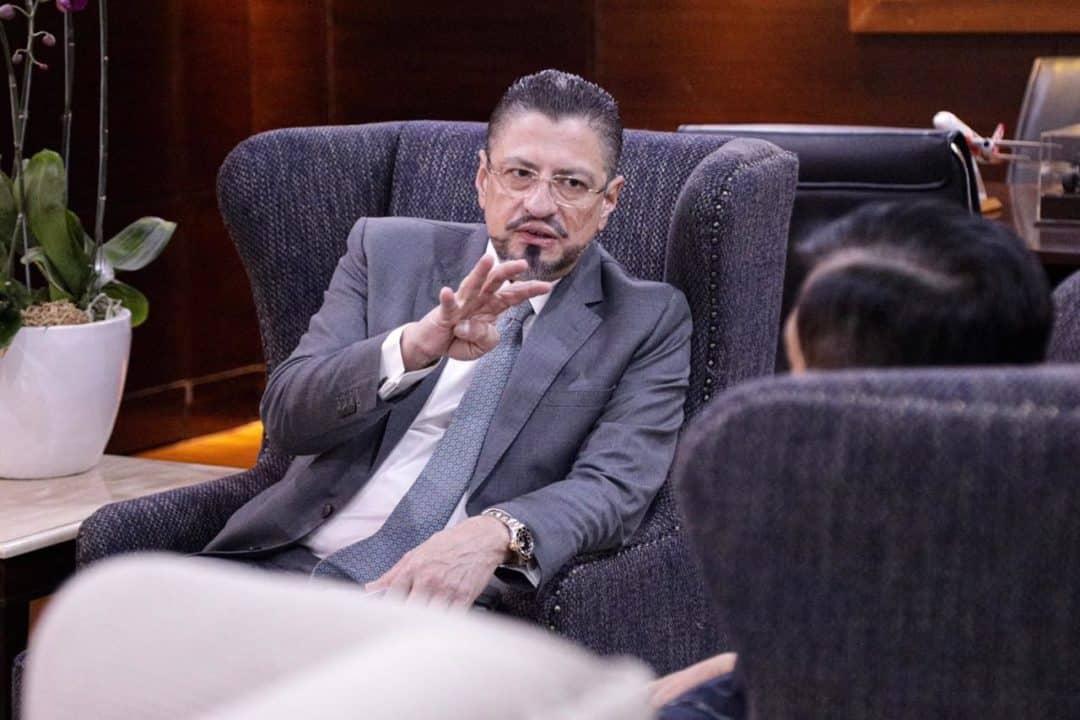 Menko Luhut Menerima Direktur Bank Dunia Untuk Indonesia