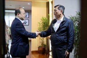 Menko Luhut Menerima Dubes Tiongkok Di Kantor Maritim