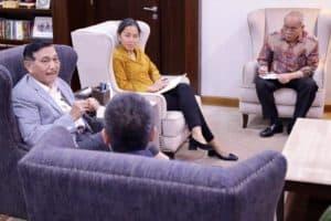 Menko Luhut Menerima Presiden Grab Indonesia Di Kantor Maritim