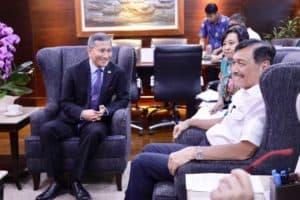 Menko Luhut Menerima Menlu Singapore Di Kantor Maritim