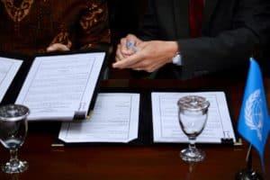 Menko Bidang Kemaritiman Luhut B. Pandjaitan Menyaksikan Penandatanganan Finanfing Agreement Kemenko Maritim Dengan Undp