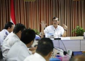 Menko Kemaritiman Luhut B. Pandjaitan Pimpin Rapat Penyelesaian Rencana Pembelian Saham Pt Bijb Dan Penentuan Harga Avtur