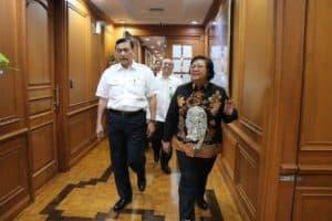 Menko Luhut B. Pandjaitan Meeting Bersama Menteri Lhk, Siti Nurbaya Bakar Di Gedung Manggala Wanabakti, Jakarta