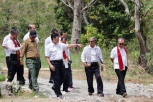 Menteri Koordinator Bidang Kemaritiman Luhut B. Pandjaitan Mendampingi Presiden Joko Widodo Kunjungan Ke Geopark Kaldera Toba