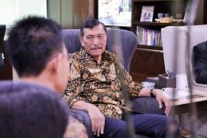 Menko Luhut Menerima Chief Country Office Deutche Bank Ag Jakarta Di Kantor Maritim
