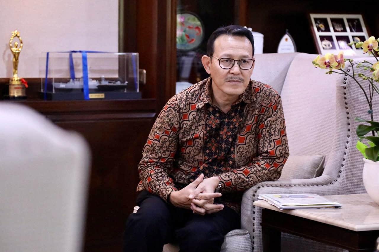 Menteri Koordinator Bidang Kemaritiman Luhut B. Pandjaitan menerima Direktur BPJS Prof. Fachmi Idris