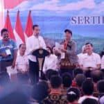 Penyerahan Sertifikat Tanah Oleh Presiden Republik Indonesia Joko Widodo Untuk Masyarakat Samosir