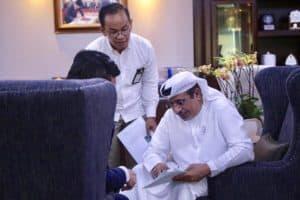 Menko Luhut Menerima Dubes Uni Emirat Arab di Kantor Maritim