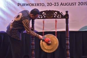 Diawali Penanaman Mangrove, Kemenko Bidang Kemaritiman membuka acara ICoMIRE 2019