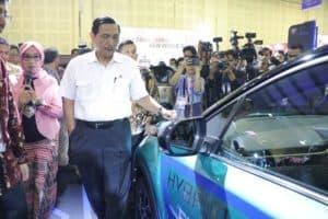 Menko Bidang Kemaritiman Luhut B. Pandjaitan Menghadiri Pembukaan Indonesia Electric Motor Show