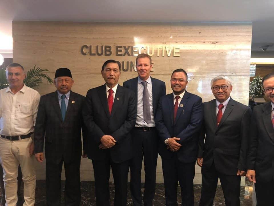 enko Bidang Kemaritiman dan Investasi meeting dengan Group CEO Yas Holding