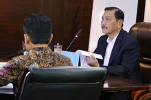 Menko Luhut Rapat Ibu Kota Negara di Kantor Kemenko Marves