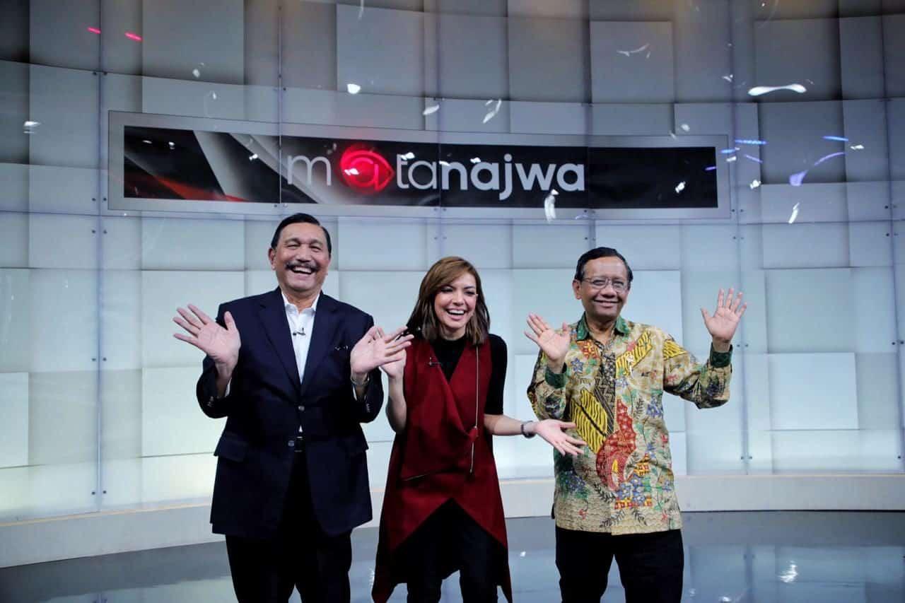 """Menko Bidang Kemaritiman dan Investasi Luhut B. Pandjaitan menjadi bintang tamu dalam program acara Mata Najwa Dengan Tema """"Proyeksi Kebijakan terkait bidang Kemaritiman dan Investasi di Tahun 2020"""" di Jakarta"""