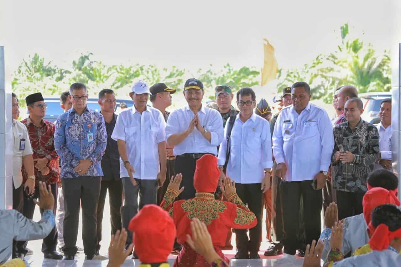 Menko Luhut Kunjungi Aceh Singkil : Kita Benahi