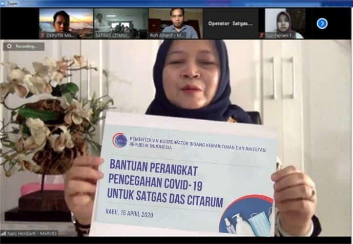 Kemenko Marves Berikan Bantuan Kepada Sa7tgas DAS Citarum untuk Korban Banjir, Sekaligus Penanganan Pandemi Covid-19 di Bandung