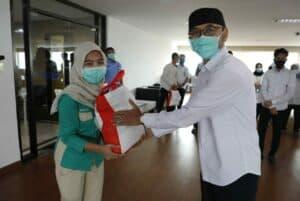 Sesmenko Agus Kuswandono Berikan Bantuan Paket Sembako Kepada Para Pegawai Kemenko Bidang Kemaritiman dan Investasi.