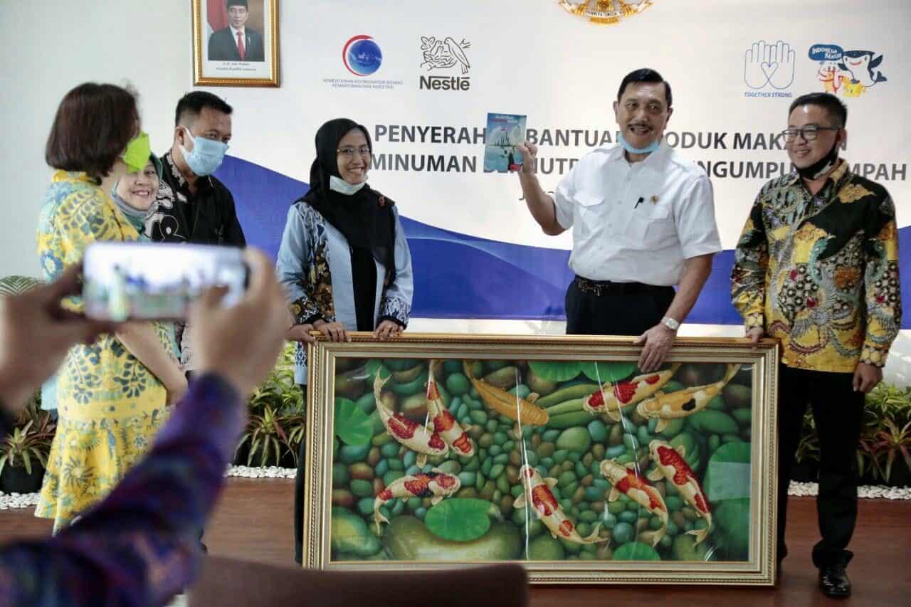 Kemenko Marves Dukung Nestlé Bantu Komunitas Pekerja Pemungut Sampah Di Tengah Pandemi