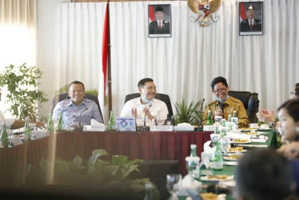 Menko Luhut: Industri Alumina Indonesia Bisa Layani Global Supply Chain