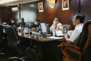 Menko Marves Luhut Melakukan Vidcon Terkait Rakor Lanjutan Penanganan Covid-19 Di 8 Provinsi