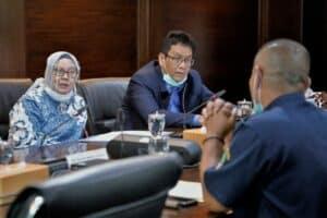 Menko Marves Luhut Meeting Bersama Ade Warsita Dan Purbaya Terkait Pendederan Dan Pembesaran Lobster