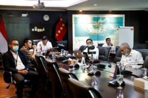 Menko Marves Luhut Melakukan Vidcon Terkait Ratas Laporan Komite Penanganan Covid-19 Dan Ekonomi Nasional