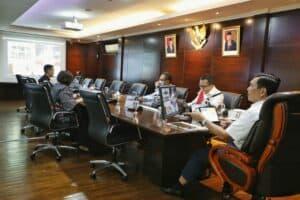 Menko Marves Luhut Melakukan Vidcon Meeting Bersama Kepala BNPB,Pangdam Jaya Dan Kapolda Metro