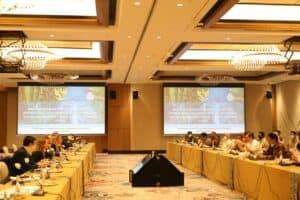 Menko Luhut Mengadakan Pertemuan Dengan Kepala BKPM Dan Para Gubernur Serta Delegasi FMG