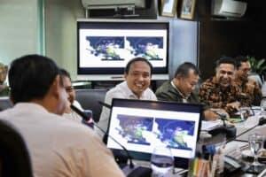 Menko Marves Rapat Tentang Nelayan
