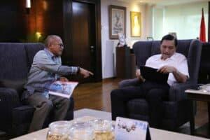 Menko Luhut Meeting Dengan Arviyan Arifin.