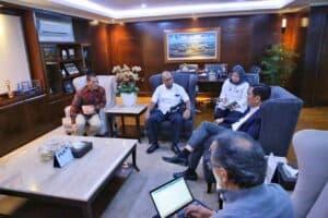 Menko Luhut Melakukan Rapat Dengan Direktur Utama Antam Dana Amin