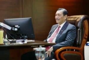 Menko Marves, Luhut B. Pandjaitan Menghadiri Acara Meeting Dengan Prof. Budhi Susanto
